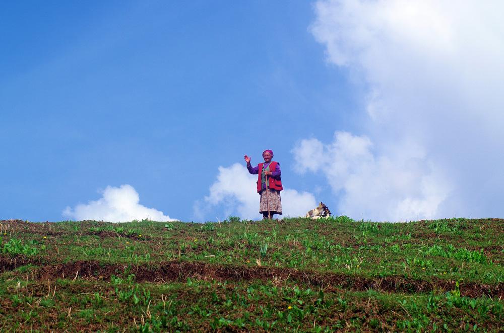 Les bergers et nomades que nous rencontrons sont très curieux car c'est un endroit où les touristes ne passent pas. Ils nous rassurent que nous sommes sur la bonne route mais, d'après ce que nous comprenons, nous avons encore beaucoup de chemin !