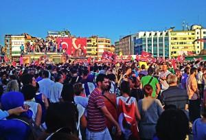 Manifestations sur la place Taksim