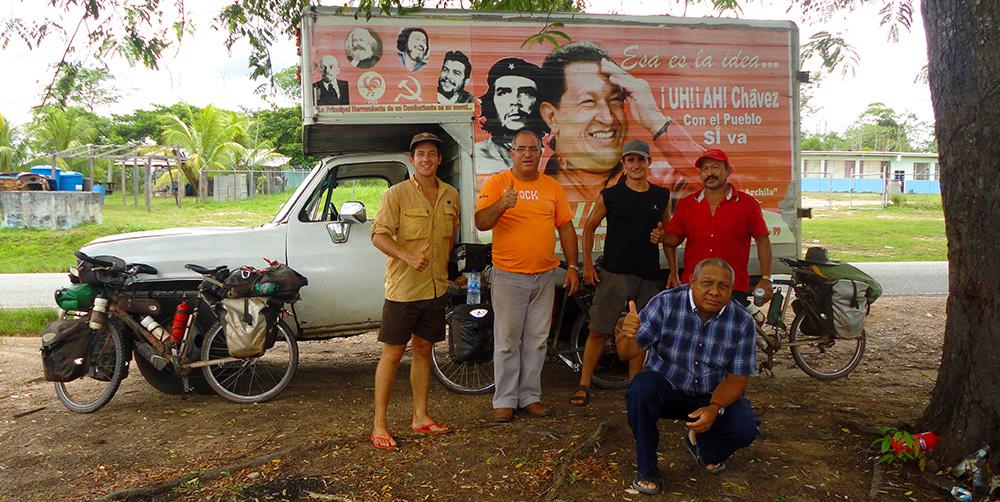 Rencontre avec des soutiens de Chavez au Venezuela