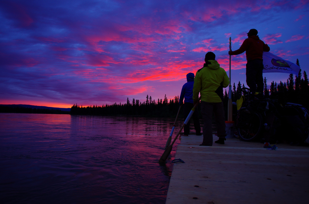 Faire l'expérience de l'été boréal et de ses jours ininterrompus au fil de l'eau, dans la région septentrionale du Yukon, justifie les efforts déployés pour concrétiser l'aventure